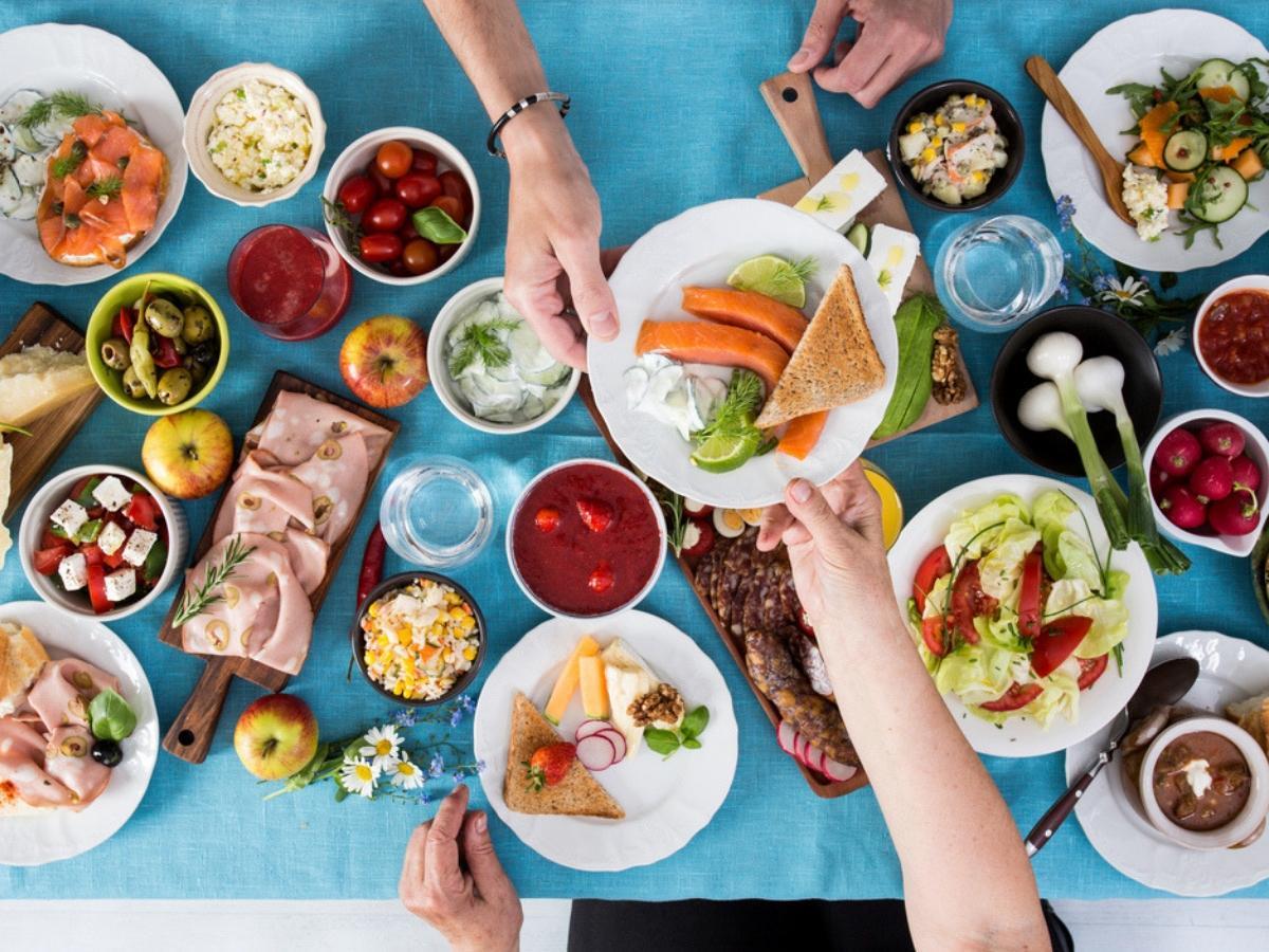 Alimentazione e salute, come regolarsi quando si mangia fuori casa