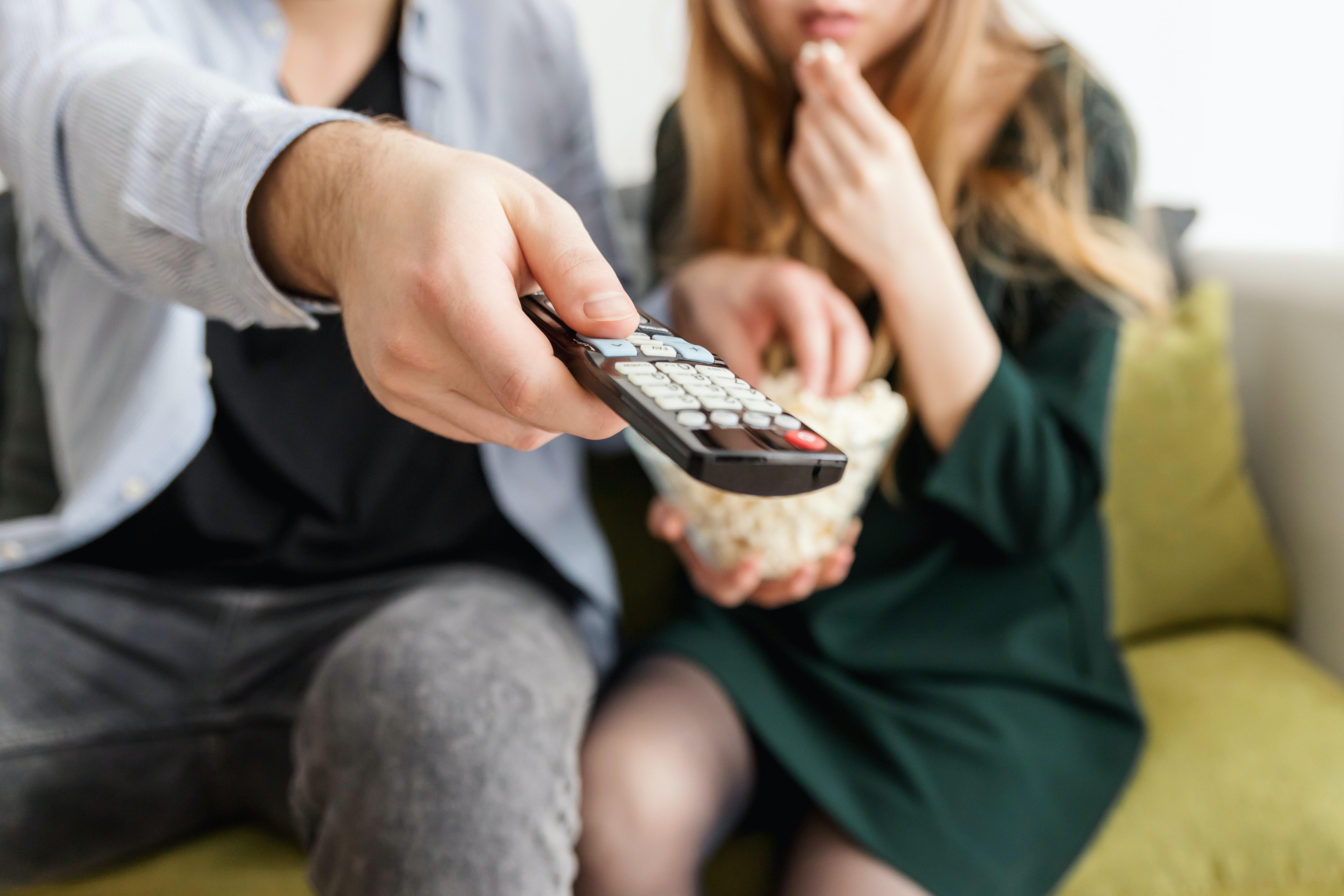 Pay-tv. dalla loro nascita sino a giorni d'oggi: perché crolla il numero degli abbonati?
